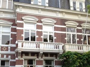 2-balustrade
